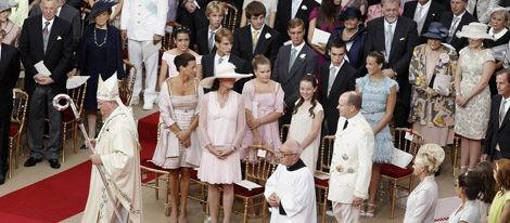 Los Príncipes Alberto y Charlene de Mónaco sellan su amor con una emocionante boda religiosa