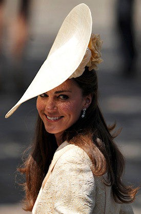 Kate Middleton y su vistosa pamela