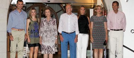 La Familia Real Española unida en la cena del 30º aniversario de la Copa del Rey de Vela
