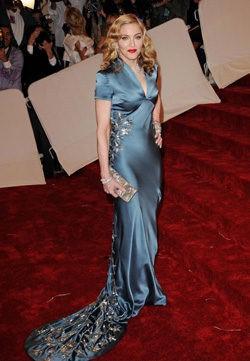 Madonna con vestido de Stella McCartney