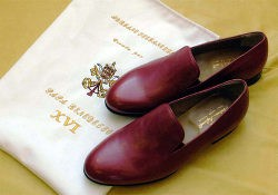 Zapatos rojos creados por Adriano Stefanelli