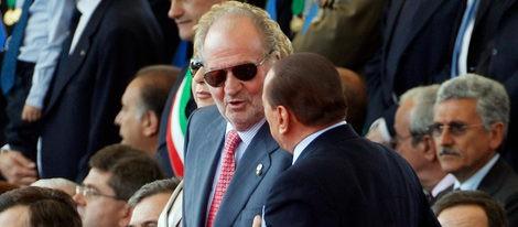 El Rey Don Juan Carlos junto a Berlusconi en los actos conmemorativos de la Unificación Italiana