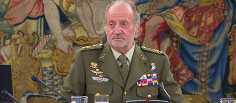 El Rey Don Juan Carlos I, ingresado en el hospital para su operación de rodilla