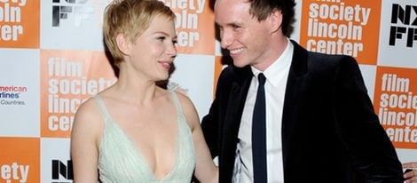 Michelle Williams y Eddie Redmayne en el estreno de 'My week with Marilyn'