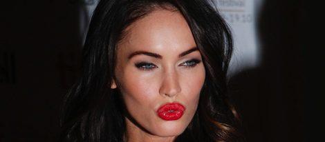 Megan Fox con un maquillaje de estilo Pin-up