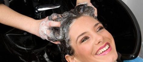 peeling de algas para reparar el cabello dañado