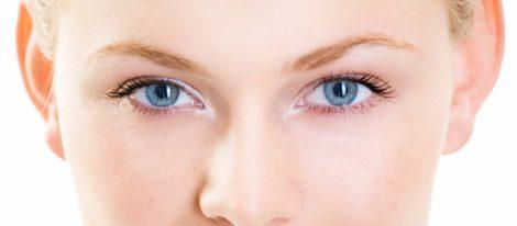importancia de desmaquillarse los ojos