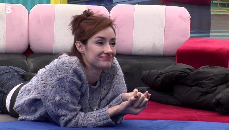 Adara hablando con Nuria MH en 'El Tiempo del Descuento'|Foto: telecinco.es