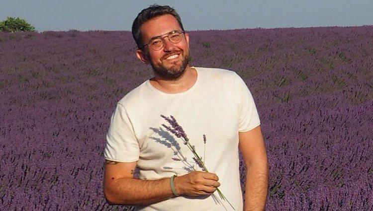 Máximo Huerta con los campos de lavanda de La Provenza
