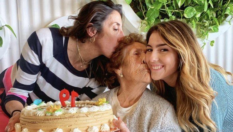 Anna Ferrer celebrando su cumple con su abuela/ Foto: Instagram