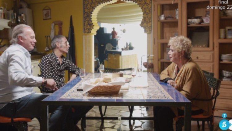 María Jiménez con Bertín Osborne y Pitingo en 'Mi casa es la tuya'/Foto:Telecinco