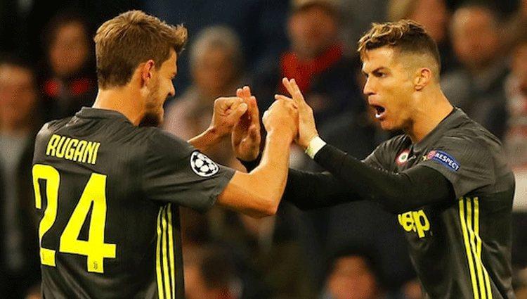 Cristiano Ronaldo con Rugani durante un partido/ Foto: redes sociales