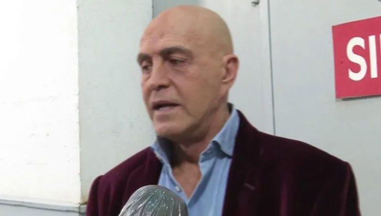 Kiko Matamoros hablando para 'Socialité'/ Foto: telecinco.es