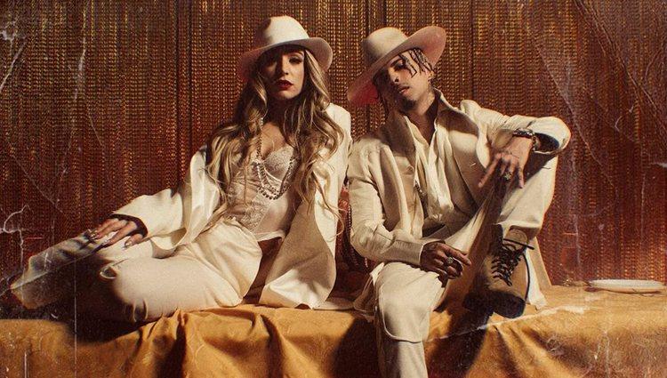 Lola Índigo y Lalo Ebratt durante el rodaje de '4 besos'   Foto: Instagram @lolaindigo