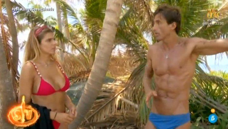 Ivana y Hugo hablando mucho más calmados tras su bronca / Telecinco.es