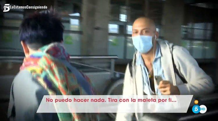 José Antonio Avilés da órdenes a su madre en su reencuentro