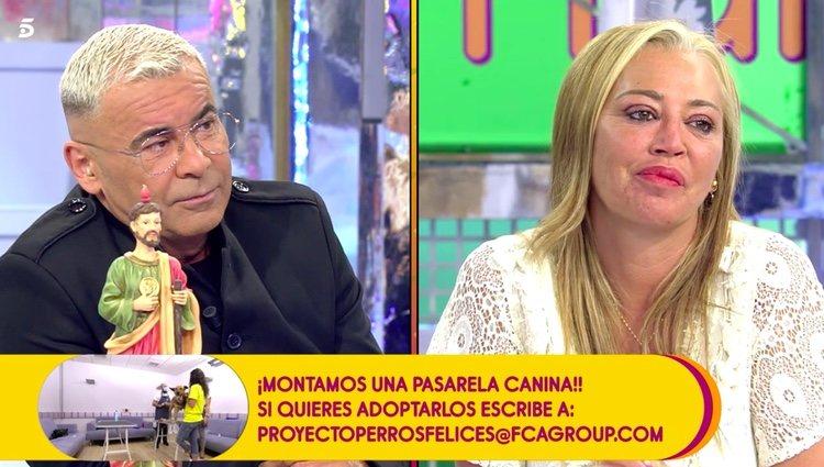 Jorge Javier preguntando a Belén Esteban por su futuro / Telecinco.es