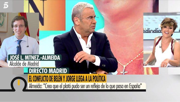 Almeida hablando del conflicto de Belén Esteban y Jorge Javier en 'Ya es mediodía'/ Foto: telecinco.es