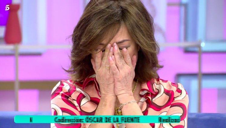 Ana Rosa Quintana muy emocionada en su despedida / Telecinco.es