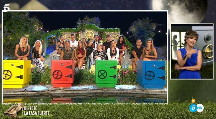 Sonsoles Ónega riñe a los concursantes de 'La Casa Fuerte'