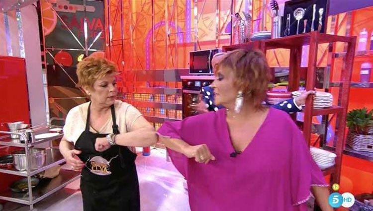 Terelu limando asperezas con Lydia Lozano/ Foto: telecinco.es