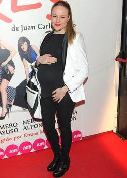 Esmeralda Moya luce embarazo