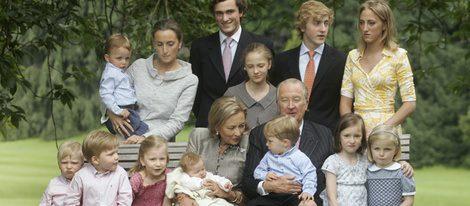 Los Reyes de Bélgica con todos sus nietos
