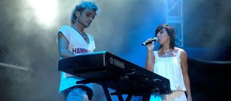 Nacho Cano y Ana Torroja durante un concierto de Mecano