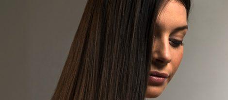 Cómo conseguir un pelo liso y brillante