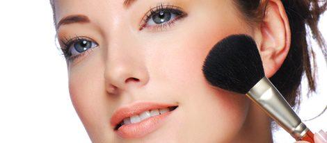 Cómo aplicarse el colorete según la forma de la cara