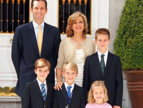 Los Duques de Palma y sus hijos felicitan la navidad 2011/2012