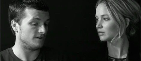 Josh Hutcherson y Jennifer Lawrence en el video de 'Ebola Survival Fund'