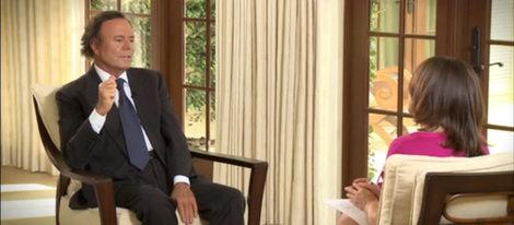 Pepa Bueno entrevista a Julio Iglesias en su casa de Miami