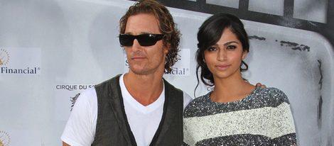 Mathew McConaughey y Camila Alves se casarán en 2012