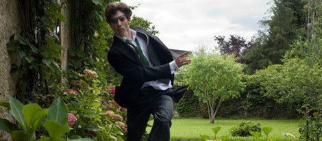 Adrián Lastra en un fotograma de 'Primos'