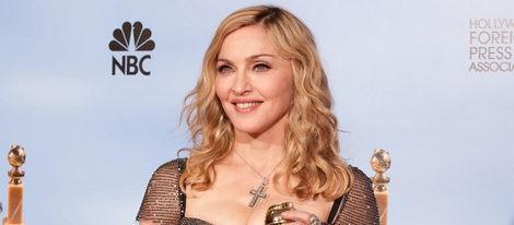 Madonna posa con us Globo de Oro 2012