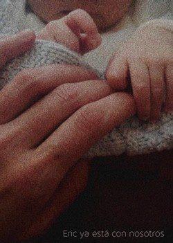 Olivia Molina y Sergio Mur anuncian el nacimiento de Eric / Twitter