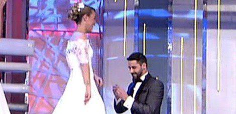 Jonathan le pide matrimonio a Yolanda en 'QTTF' | telecinco.es