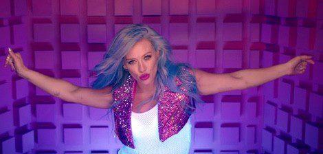 Hilary Duff, muy colorida en el videoclip de 'Sparks'