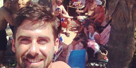 Yoli y Jonathan disfrutan del verano con sus amigos