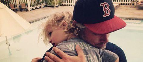 Jessica Simson se pone romántica y comparte tiernas fotos de Eric Jonhson y su hijo Ace