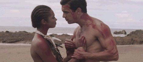 Berta Vázquez y Mario Casas en 'Palmeras en la nieve'