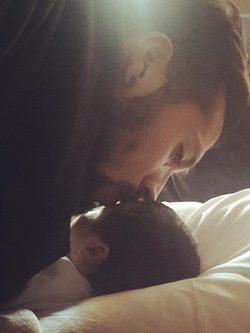 Garay despidiéndose de Shaila / Instagram