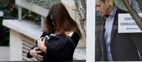 Carla Bruni protege la intimidad de su hija Giulia