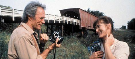Robert fotografiando a Francesca en 'Los puentes de Madison'