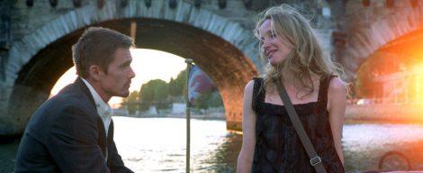 Jesse y Celine a orillas del Sena en 'Antes del atardecer'