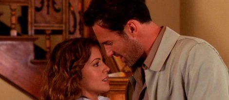 Alyssa Milano y Julian Mcmhon en la serie 'Embrujadas'