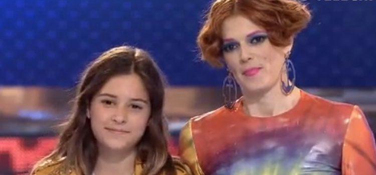Bimba Bosé con su hija Dora durante el concurso/ telecinco.es
