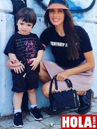Pilar Rubio con Sergio Jr posando para su blog