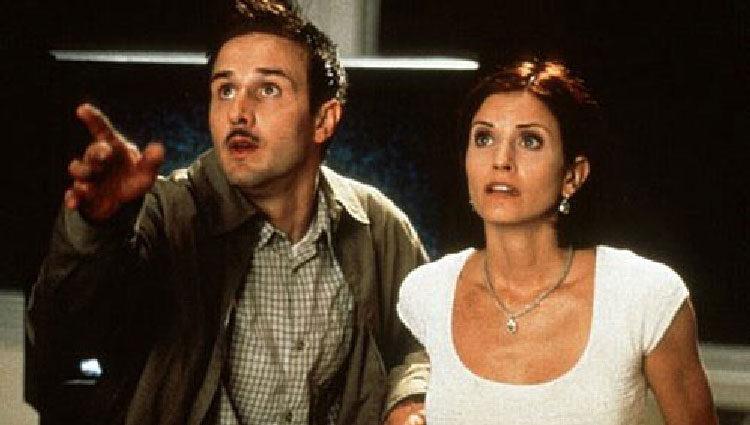 David Arquette con Courteney Cox en 'Scream'